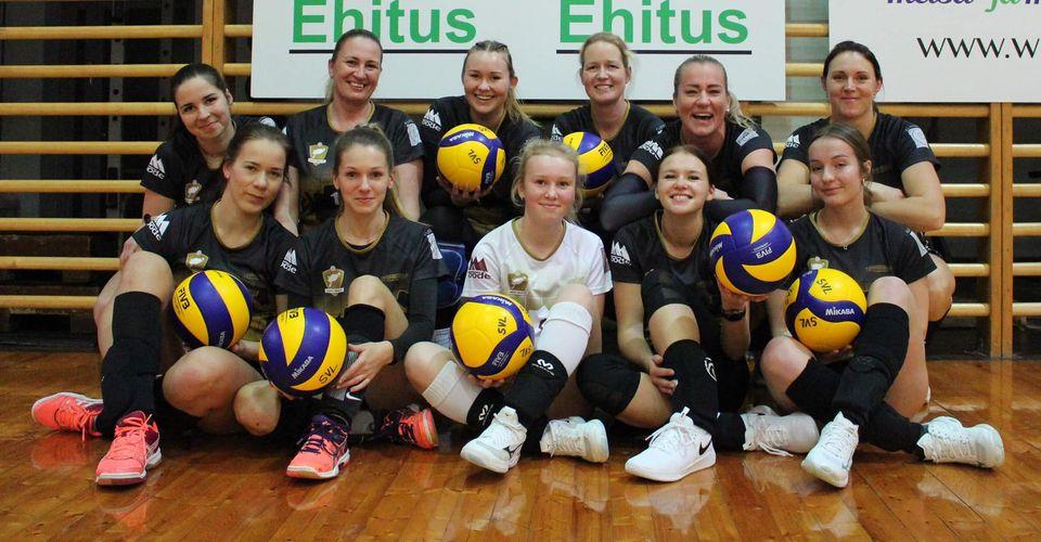 Võidukas naiskond. Saaremaa Võrkpalli Liit