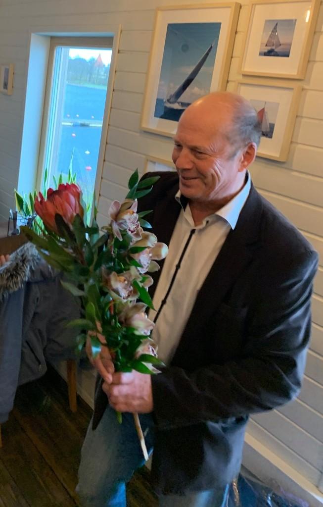 Viktor Umb juubelit tähistamas. Saaremaa Merispordi Selts
