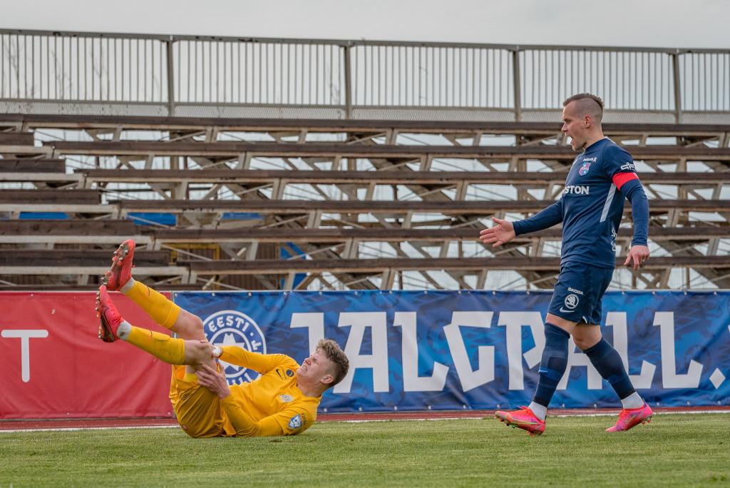Valu põlves sundis Mattias Männilaane mängu pooleli jätma. Allan Mehik