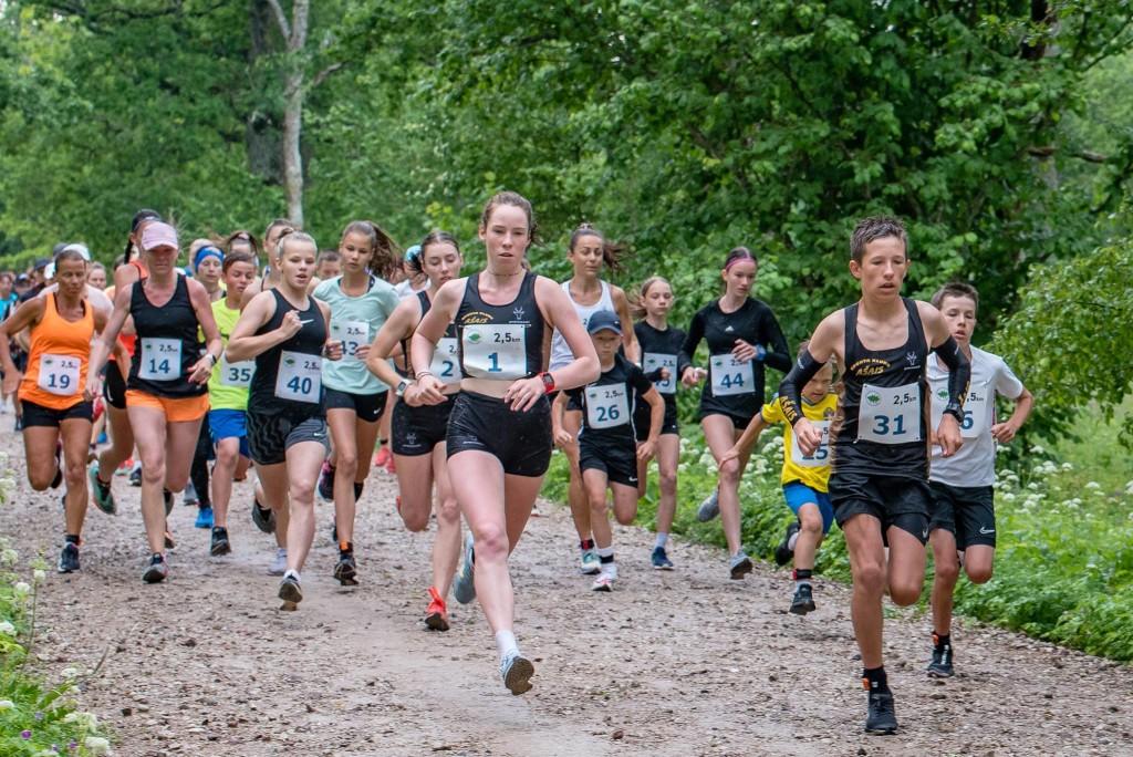 Noored lätlased (31 ja 1) olid kiiremad ka Pööripäevajooksu lühemal distantsil. Allan Mehik