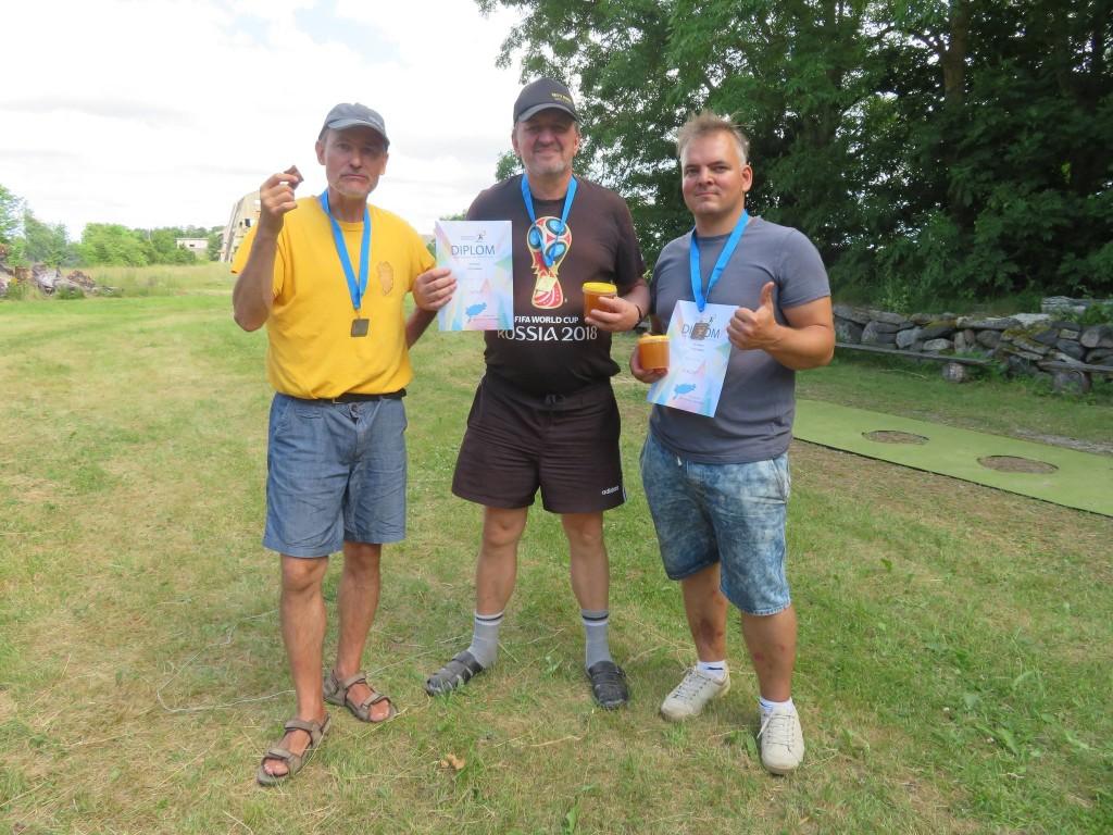 Tulistamise medalimehed: (vasakult) hõbe Marek Kolk, kuld Gunnar Usin, pronks Aare Trave. Erakogu