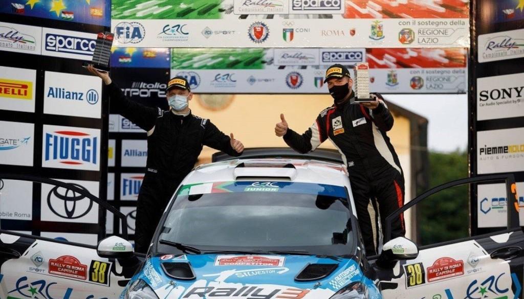 Võitjana poodiumil. FIA ERC