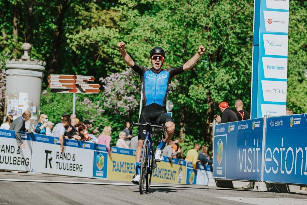 Võidukalt finišis. Adam Illingworth