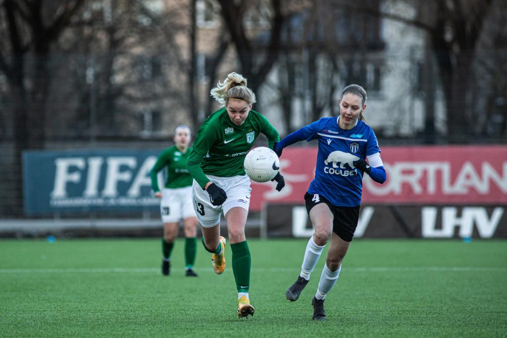 Kristina Teern üritab pallini jõuda. Jana Pipar/EJL